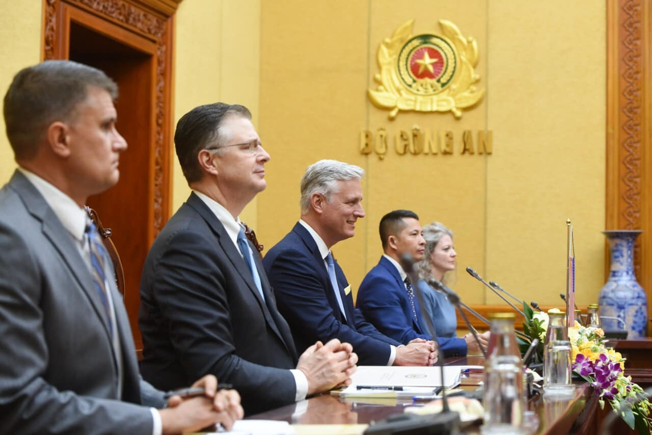 Bộ trưởng Công an hội đàm với Cố vấn An ninh Quốc gia Mỹ