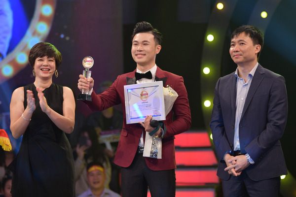 Quán quân 'Đường tới Cầu vồng 2020' của VTV gọi tên Thành Phong