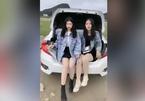 Hai 'hot girl' về đồn cảnh sát vì quay video mạo hiểm