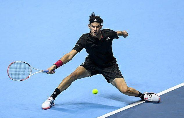 Hạ Djokovic sau 2 loạt 'đấu súng', Thiem vào chung kết ATP Finals