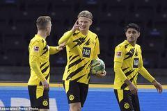 "Haaland ghi poker siêu đẳng, Dortmund áp sát ""Hùm xám"""