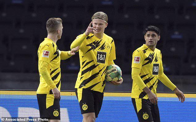 Haaland ghi poker siêu đẳng, Dortmund áp sát 'Hùm xám'