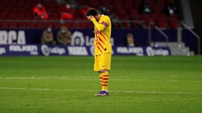 Barca kém nhất trong 25 năm, Messi cũng tuột dốc
