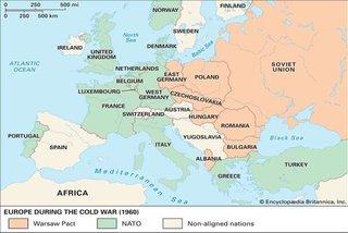 Lịch sử đối đầu giữa hai khối quân sự hàng đầu thế giới