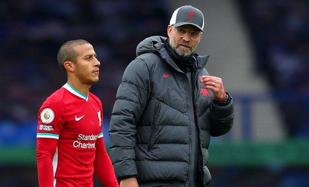 MU được mời ký Fati, Klopp làm rõ Liverpool