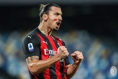 """""""Ông già"""" Ibrahimovic lập cú đúp, Milan đòi lại ngôi đầu"""