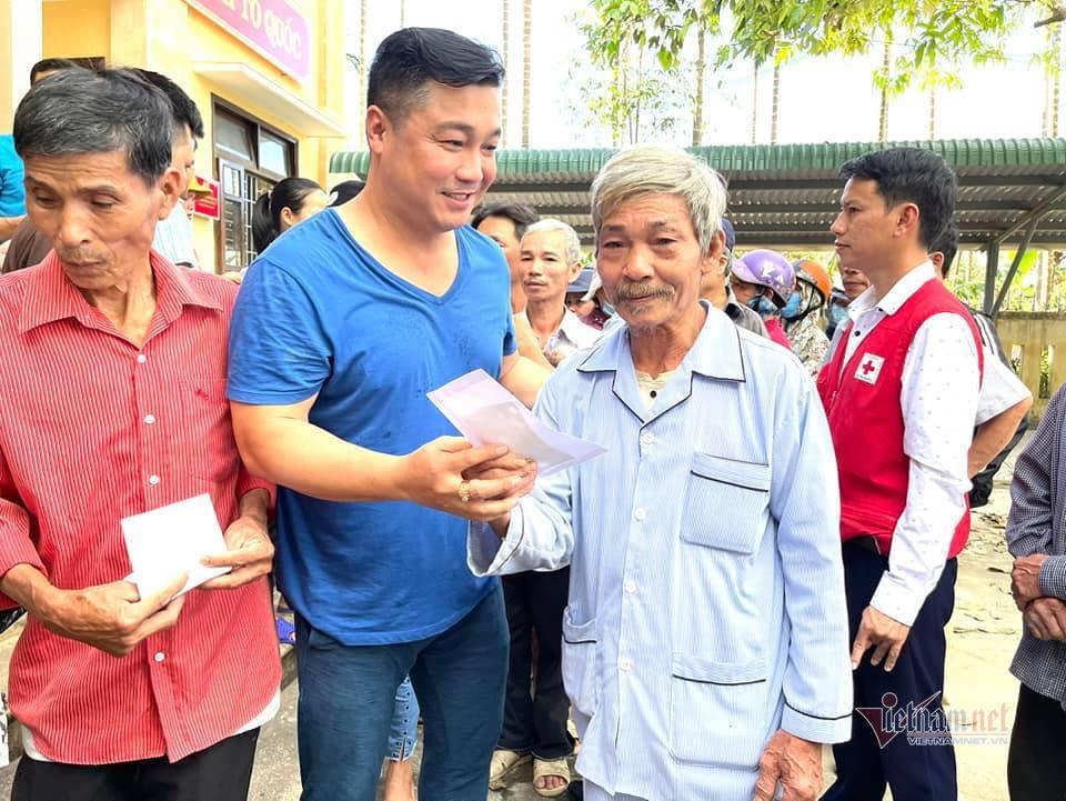 3 Tiền phúng điếu của Vân Quang Long sẽ chia đều cho hai vợ