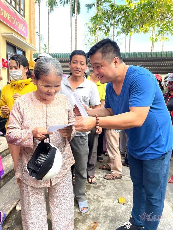 9 Tiền phúng điếu của Vân Quang Long sẽ chia đều cho hai vợ