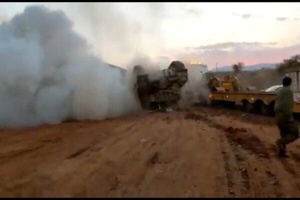 Khoảnh khắc xe tăng Israel lật ngửa bụng lên trời