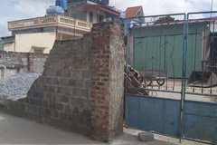 Tường nhà dân đổ sập làm chết cháu bé 11 tuổi ở Thái Bình