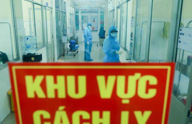 Cảnh báo 4 nguy cơ lây nhiễm Covid-19 ở Việt Nam