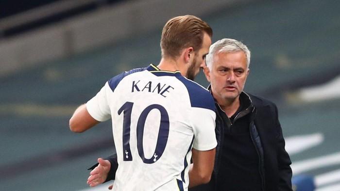 Tottenham thắng to, Mourinho tiết lộ vì sao 'bỏ' Harry Kane ở nhà