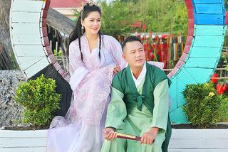Ảnh cổ trang ngọt ngào của vợ chồng em trai MC Quyền Linh
