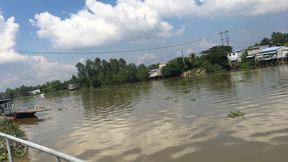 Nhóm thanh niên nhảy sông trốn chạy truy đuổi, 2 người chết