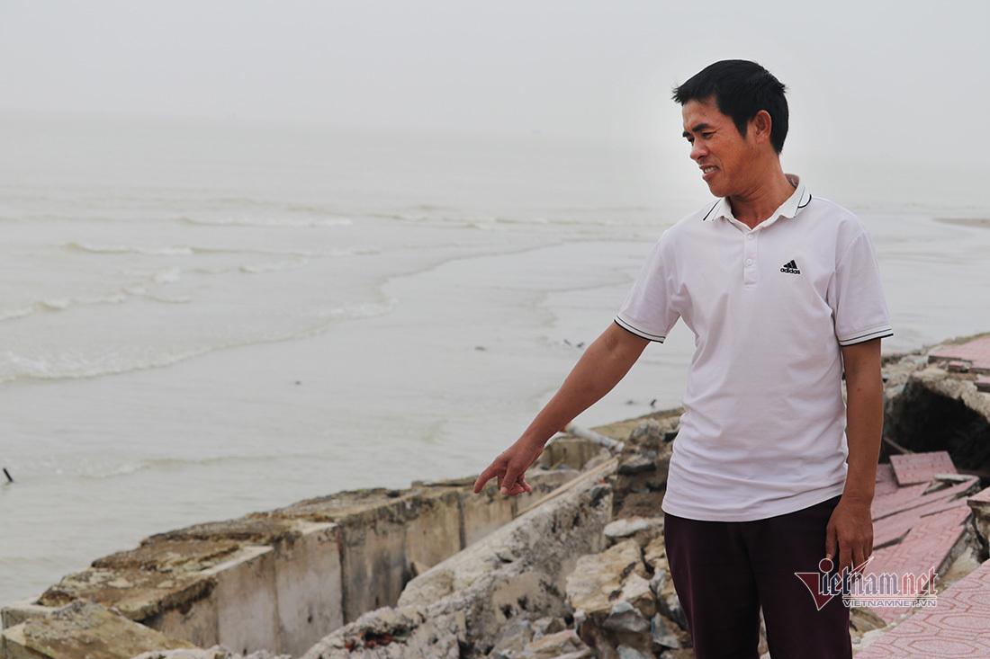 Hơn 500m đường đi bộ ven biển Cửa Lò nứt toác nham nhở, bong tróc phản cảm
