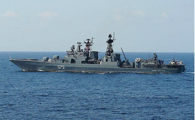 Nga bắt quả tang tàu chiến Mỹ hoạt động trái phép trong lãnh hải