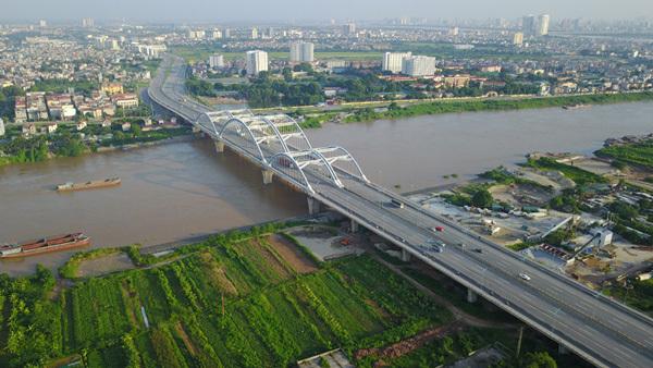 Hanoi's bridges