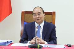 Thủ tướng Nguyễn Xuân Phúc hội đàm trực tuyến với Thủ tướng Campuchia