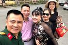 NSND Lan Hương 'Em bé Hà Nội' gây chú ý khi hội ngộ NSND Tự Long