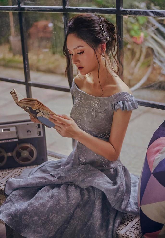 Lan Hương 'Em bé Hà Nội' gây chú ý khi hội ngộ Tự Long
