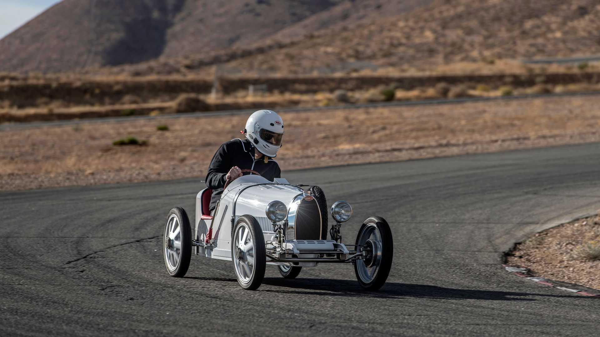 """Ngắm ô tô """"mini"""" Bugatti Baby II sản xuất mô phỏng xe đua Type 35"""