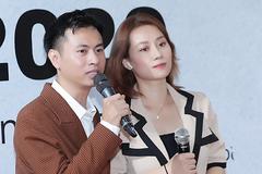 Nhạc sĩ Dương Cầm 'Mong anh về' khen vợ trẻ đẹp hết lời