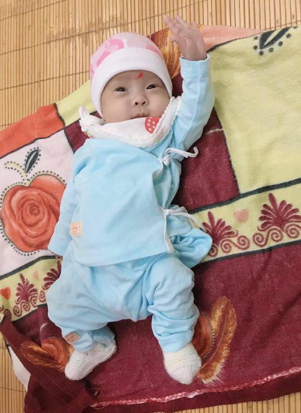 Chị song sinh mất, bé gái sơ sinh 480g ở Vĩnh Phúc sống sót kỳ diệu
