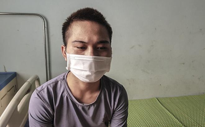 Nhân viên quán bánh xèo chịu đựng bạo hành để lấy tiền lương