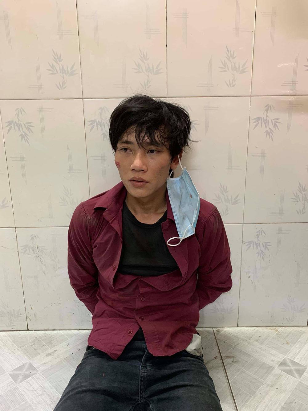 Cảnh sát hình sự truy đuổi 5km bắt kẻ cướp dây chuyền trên đường Sài Gòn