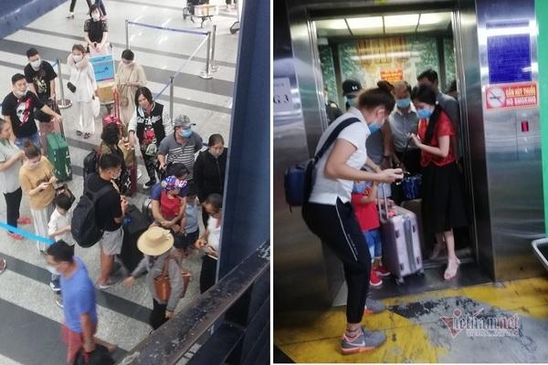 Đi xe công nghệ ở Tân Sơn Nhất, tài xế và khách cùng lúng túng
