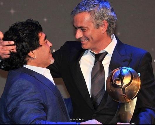 Cả thế giới tôn vinh Maradona 'bất tử', Pele hẹn chơi bóng một ngày