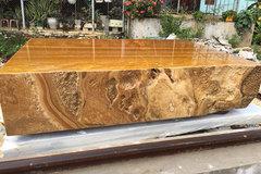 Sập bằng đá quý vàng óng, nặng tới 7 tấn, đại gia Hà Nội 'hét' hơn tỷ đồng