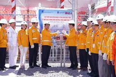 PV GAS đón nhận dòng khí đầu tiên từ mỏ Sao Vàng