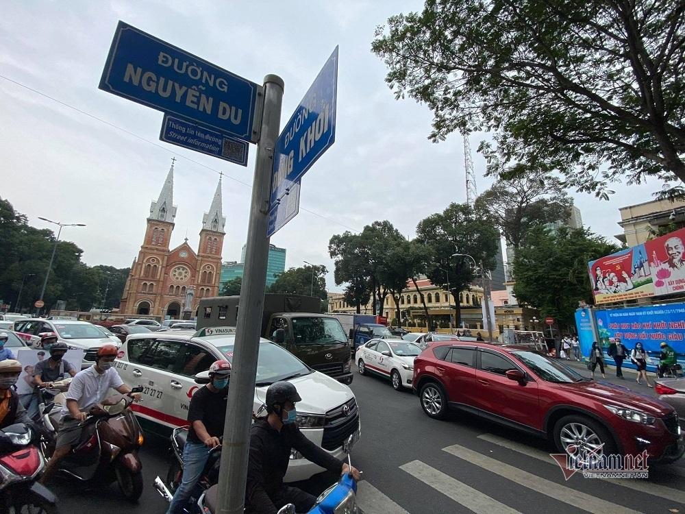 Trung tâm Sài Gòn kẹt cứng ngày Black Friday thumbnail