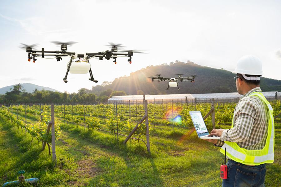 Bộ Quốc phòng: Nhập thiết bị bay không người lái cho lão nông thăm ruộng
