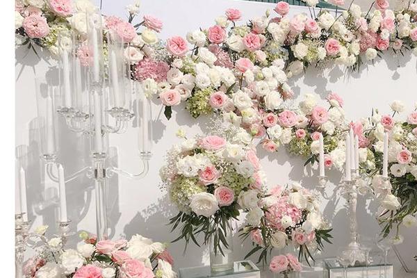 Đại gia thuê người làm đám cưới giả, cô dâu khóc ngất trong hôn lễ