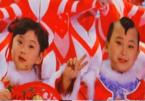 'Đứa bé trong tranh Tết' kiếm tiền nuôi cả gia đình qua đời sau câu nói của mẹ