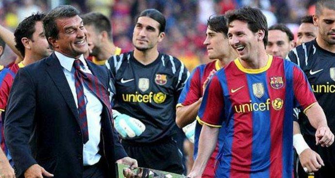 Messi sẽ gia hạn Barca thêm 2 năm
