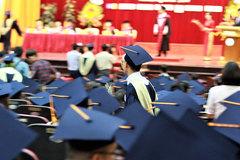 Đại học tự chủ nhưng khó xử lý giảng viên 'sáng cắp ô đi, chiều cắp ô về'