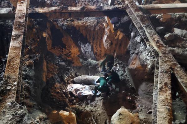 Phát hiện vật nghi bom ở khu vực phố Cửa Bắc