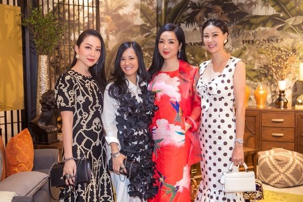 Hà Kiều Anh, Hồng Nhung, Giáng My rạng rỡ