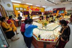 Người mua vàng lỗ hơn 2 triệu đồng sau một tuần