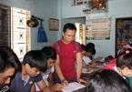Disabled Quang Ngai teacher honoured for social contributions