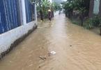 Mưa như trút nước, nhiều nơi ở Khánh Hòa, Ninh Thuận ngập sâu