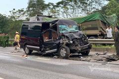 Xe Limousine tông đuôi xe đầu kéo trên cao tốc, 8 người nhập viện