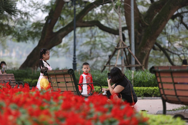 Hoan Kiem Lake, fantastic place in the heart of Hanoi