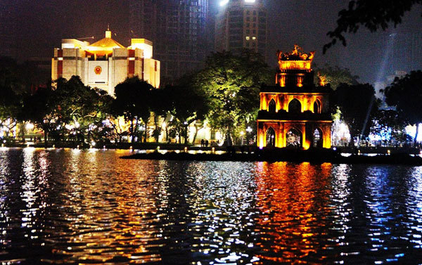 Hoan Kiem Lake, fantastic place in the heart of Hanoi