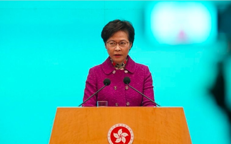 Trưởng đặc khu Hong Kong lộ lý do chất đống tiền mặt ở nhà
