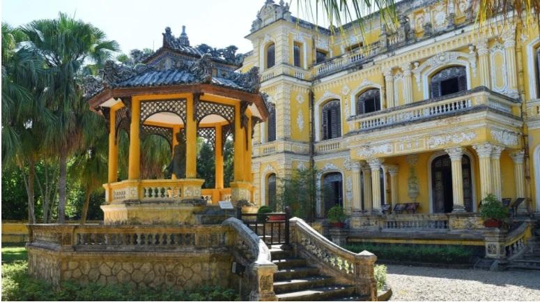 an dinh palace,hue,vietnam architecture