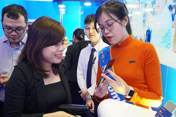 Sacombank triển khai công nghệ Tap to phone